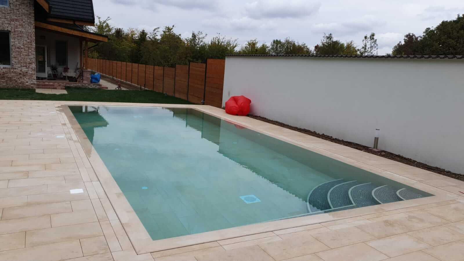 Constructia piscinei din beton